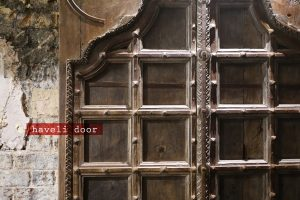 kricket-soho-london-bar-restaurant-design-interiors-haveli-door-indian-caption