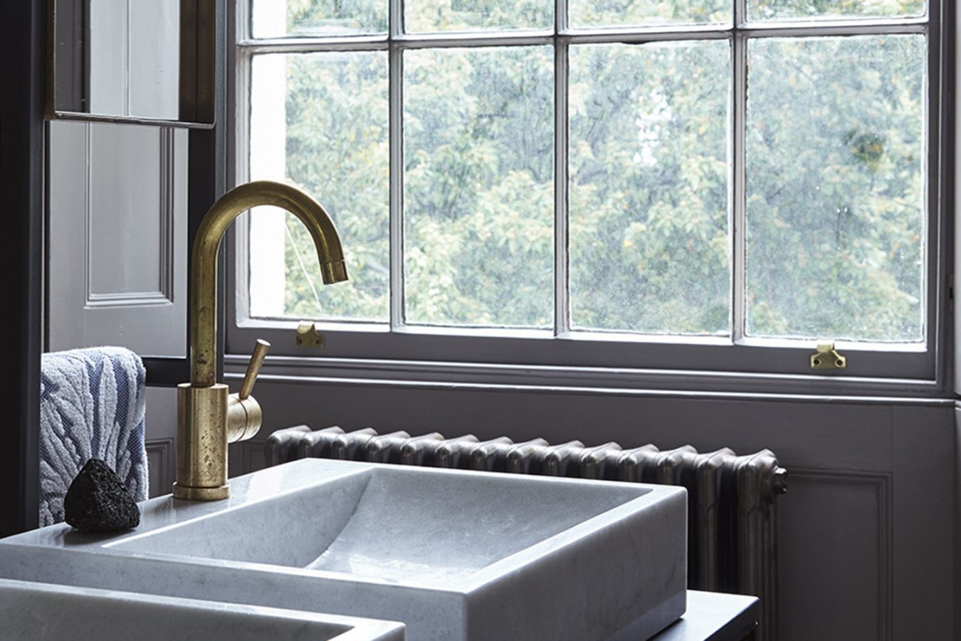 Canonbury Square_interior_design_sourcing_styling_design_bathroom_glass_ensuit_modern_details_mirror_crop